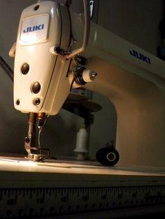 Juki DDL 8500 industrial machine <3