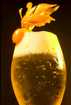 Nuestro Belini con espuma de melocoton #belini #cocktail #bar #barcelona