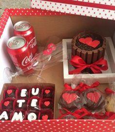 Cupcakes Originales Novio Ideas For 2019 Valentine Day Cupcakes, Birthday Cupcakes, Diy Birthday, Valentines Diy, Birthday Gifts For Boyfriend, Boyfriend Gifts, Cupcake Gift, Romantic Surprise, Chocolate Bouquet