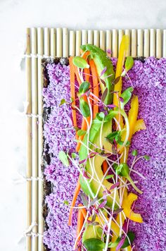 Rainbow Paleo Vegan Sushi courtesy of Shira Lenchewski, MS, RD paleo lunch bento Paleo Sushi, Sushi Recipes, Raw Vegan Recipes, Vegan Life, Vegan Vegetarian, Purple Cauliflower Recipe, Vegan Cauliflower, Onigirazu, Sushi Love