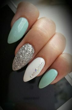 Almond nails White And Silver Hauls Nails with rhinestones Blue nails Acryli … Nail Design Ideas! is part of Almond nails Winter Red - Almond nails White And Silver Hauls Nails with rhinestones Blue nails Acrylic nails AcrylicNai Les Nails, Almomd Nails, Nails 2016, Nagellack Design, Acrylic Nail Shapes, Acrylic Colors, Almond Acrylic Nails, White Almond Nails, Almond Nails French