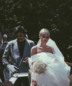 Wedding Goals, Chic Wedding, Wedding Couples, Wedding Bride, Perfect Wedding, Wedding Styles, Wedding Photos, Dream Wedding, Wedding Day