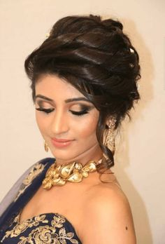 Top Indian Bridal Hairstyles For Long Hair and Short Hair Best Wedding Hairstyles for bridal for your big day. Discover cool indian Bridal wedding hairstyles for long hair, medium hair and short hair to find perfect you. Pakistani Bridal Hairstyles, Lehenga Hairstyles, Bridal Hairstyle Indian Wedding, Prom Hairstyles, Indian Hairstyles, Medium Hairstyles, Quinceanera Hairstyles, Updo Hairstyle, Wedding Updo
