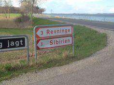 It was strange to find a roadsign leading to Sibiria on the beautiful costal road in eastern funen, Denmark #visitfyn #sibirien #sibiria #road #funen #coast #vej #kyst #strand #sign #skilt #kerteminde #nyborg #danmark #denmark
