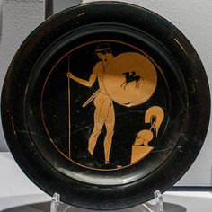 Attic kylix BC), young naked warrior, this object was smuggled and recovered from Switzerland Ancient Greek Art, Ancient Greece, Greece History, Greek Pottery, Black Figure, Antiquities, Art History, Switzerland, Objects