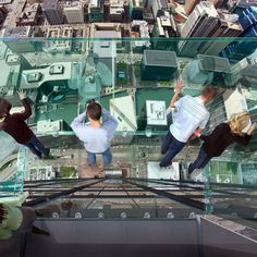 Would you step out onto the Sears Tower viewing ledge? #Chicago #BucketList