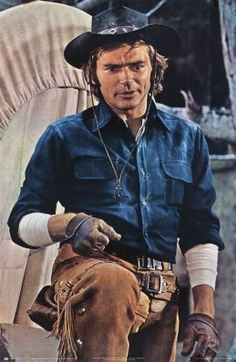 Pete Duel as Hannibal Heyes/Joshua Smith from Alias Smith and Jones