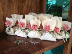 Ideas for origami wedding gift fun Wedding Favor Bags, Fun Wedding Invitations, Wedding Party Favors, Wedding Themes, Wedding Gifts, Wedding Decorations, Wedding Day, Jw Gifts, Best Gifts