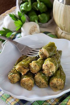 Friggitelli ripieni ricetta sfiziosa e semplice http://blog.giallozafferano.it/graficareincucina/friggitelli-ripieni-ricetta-sfiziosa-semplice/