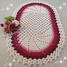 Crochet Table Mat, Crochet Stitches, Elsa, Holiday Decor, Christmas, Instagram, Crochet Carpet, Colorful Rugs, Crochet Dragon