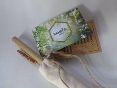 Bamboe rietje in een canvas zakje, inclusief rietjesborstel. Ideaal voor mee in de tas, zo heb jw altijd een herbruikbaar rietje bij je.  Snelle verzending!