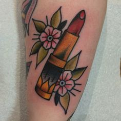 pixie-gold:  hudsontattoo:  Lipstick on the side of the wrist   I want it!