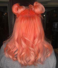 Neon peach hair color (clean vibrant peach) in 2019 Peach Hair Colors, Coral Hair, Hair Dye Colors, Cool Hair Color, Neon Green Hair, Peachy Pink Hair, Pastel Orange Hair, Exotic Hair Color, Unnatural Hair Color