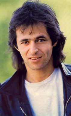jean-jacques goldman.  is it just me or do all these french singers look the same?  was it the decade?