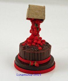 12th Scale Miniature ** Strawberry & Choc Anti Gravity Cake ** ...IGMA Fellow