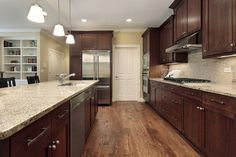 Modern Walnut Kitchen Cabinets Design Ideas - nicholas news Dark Wood Kitchen Cabinets, Dark Wood Kitchens, Walnut Cabinets, Wood Floor Kitchen, Brown Kitchens, Kitchen Cabinet Colors, Cabinet Decor, Kitchen Colors, Floors Kitchen