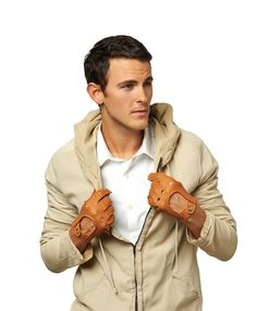 Featuring classic Italian styling and the finest North American deerskin, these are among our best leather driving gloves for men. They are handsewn in Italy by the master artisans at Fratelli Orsini, and expertly crafted to include vent and knuckle holes and extraordinary details throughout. The snap closure on the back is the final detail that makes these the epitome of a classic driving glove, while the four available colors ensure that there's a perfect choice for every driver…