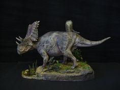 Chasmosaurus sculpted by Shane Foulkes; painted and based by myself Chasmosaurus Dinosaur Images, Dinosaur Art, Dinosaur Toys, Reptiles, Mammals, Nile Crocodile, Jurassic Park World, Prehistoric Creatures, Movie Props