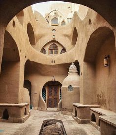 Persian Architecture, Vernacular Architecture, Beautiful Architecture, Art And Architecture, Travel Qoutes, Mud House, Iran Travel, Natural Building, Islamic Art