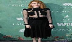 إيما ستون تبدو جذابة في اللون الأسود وترتدي قميصًا شفافًا: انضمت النجمة الحائزة على جائزة الأوسكار إيما ستون، إلى نُخبة من نجمات هوليوود…