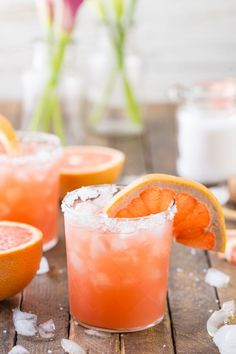 Grapefruit Salty Dog - MY FAVORITE SUMMER DRINK! Grapefruit, vodka, and sea salt...THE BEST flavor combo, so refreshing!
