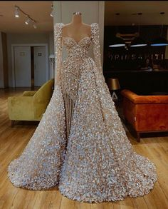 Find the perfect gown with Pageant Planet! Browse all of our beautiful prom and pageant gowns in our dress gallery. There's something for everyone, we even have plus size gowns! Source by pageantplanet dress Glam Dresses, Event Dresses, Fashion Dresses, Wedding Dresses, Sexy Dresses, Summer Dresses, Formal Dresses, Outfit Summer, Couture Dresses Gowns