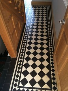Your hallway should be able to deal with numerous tasks. He too will be no exception, with plenty of choice to showcase your own personal style and cr… Home & Apartment Ideas for best int… Hall Flooring, Porch Flooring, Kitchen Flooring, Flooring Ideas, Hall Tiles, Tiled Hallway, Hallway Decorating, Entryway Decor, Toilet Room Decor