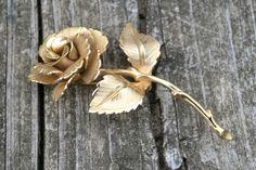Vintage Gold Tone Ro
