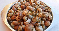 Caracóis Ingredientes 1 kg de caracóis 4 dentes de alho 1 cebola média Sal q.b. 1 ramo grande de oregãos Cerveja (25 ml)...