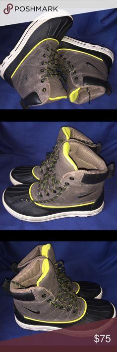 Nike ACG Woodside size 8,5 Just like new Nike Shoes Rain & Snow Boots