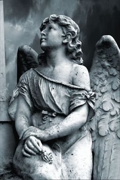 statue of angels in cemeteries Cemetery Angels, Cemetery Statues, Cemetery Art, Angels Among Us, Angels And Demons, Art Sculpture, Sculptures, Tattoo Religion, Statue Ange