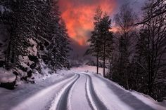 ***Winter sunset and a snowy road (Norway) by Jørn Allan Pedersen on 500px❄️