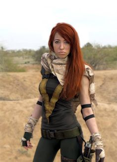 Holy crap that's an awesomely accurate costume.  Hope Summers #Marvel #Xmen #Cosplay