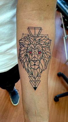 Polygonal Lion Tattoo #lion #tattoo