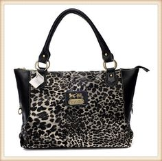 Coach Is Favored By Huge Number Of Customers Around The World!