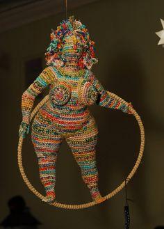 Artist of the day: Artist of the day, March Yulia Ustinova, Russian crochet… - FIBER ART Russian Crochet, Crochet Art, Crochet Woman, Crochet Dolls, Crochet Patterns, Crochet Stitches, Hobby Lobby Crafts, Spirited Art, Textile Fiber Art