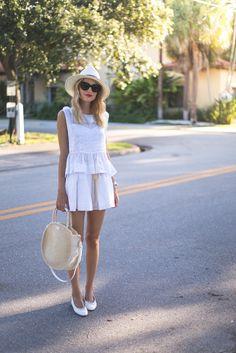 Little Blonde Book  //  all white  |  pinterest: @Blancazh