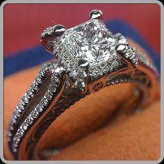 Venetian-5016 with a brilliant cushion cut diamond. - @verragio