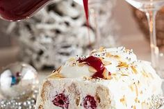 Mascarpone raspberry trifle…died and went to heaven! such a sucker for mascarpone. Brownie Desserts, Köstliche Desserts, Delicious Desserts, Dessert Recipes, Yummy Food, Christmas Desserts, Christmas Treats, Christmas Baking, Christmas Trifle