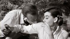 Audrey Hepburn Animated GIFs (57)