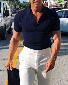 The perfect summer outfit! Mature Mens Fashion, Preppy Mens Fashion, Fashion Moda, Look Fashion, Smart Casual Menswear, Men Casual, Business Casual Men, Summer Fashion Outfits, Gentleman Style