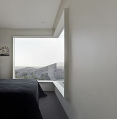 Great concept for a window! Hillside Habitat Kinglake Victoria Australia Architects: Edward