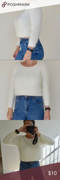crop jumper • forever 21 Gorgeous white fluffy cropped jumper! Perfect for fall/winter season! Cody and comfortable NOT scratchy at all! Worn once or twice and in really almost new perfect condition!   BUNDLE FOR PRIVATE DISCOUNT 😉🎉 Forever 21 Sweaters