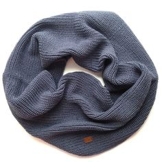 Широкий серо-голубой снуд в 2 оборота уже на сайте  #cute #cuteshop #cuteshopru #knitting #knittinginspiration #scarf #gray #moscow #handmade #awesome #vogue #fashion #вязание #вяжутнетолькобабушки #вяжу #вязаниеспицами #снуд #шарф #серый #москва #мск #тепло by cuteshopru