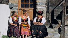 klederdracht evolene - Google zoeken Wallis, Folklore, Costumes, Regional, Austria, Google, Art, Mardi Gras, World Cultures