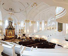 Kirchraum der St. Michaeliskirche (Michel) in Hamburg