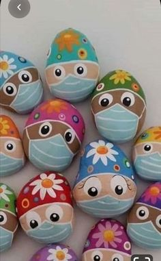 Easter 2020 Easter 2020 crafts for kids easter Rock Painting Patterns, Rock Painting Ideas Easy, Rock Painting Designs, Pebble Painting, Pebble Art, Stone Painting, Stone Crafts, Rock Crafts, Art Crafts