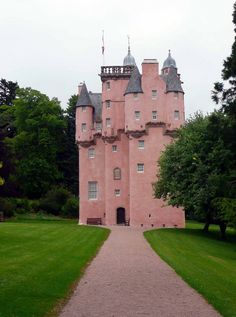 Crathes Castle is simply one of the most superb castles in Scotland. The beautiful, pink-harled exterior and Disney-esque design are common features of castles in Aberdeenshire. Crathes Castle is owned by the National Trust for Scotland it is a 16th century castle near Banchory in Aberdeenshire, Scotland.