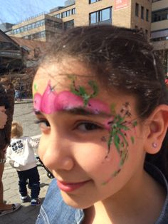 En blomster prinsesse:)  Malt av Frk. Ansiktsmaler.
