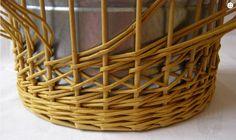 Плетение из газет. Интересный узор для корзинки. Мастер-класс (18) (700x415…